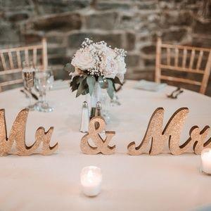 Mr. & Mrs. Sign for Wedding!